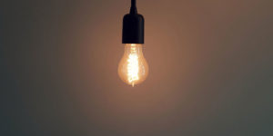 Telling the truth in online marketing . Picture: Light bulb